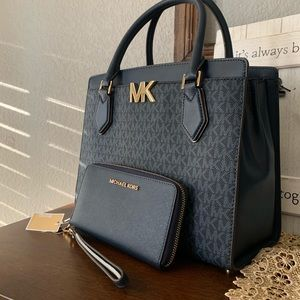 New MK 🦋 large satchel MOTT & wallet navy blue